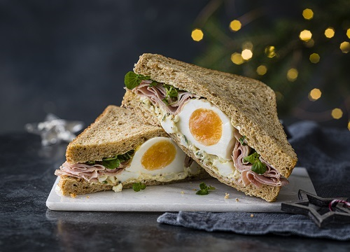 egg and ham sandwich