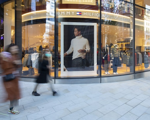 Tommy Hilfiger store front at 100 Liverpool Street.