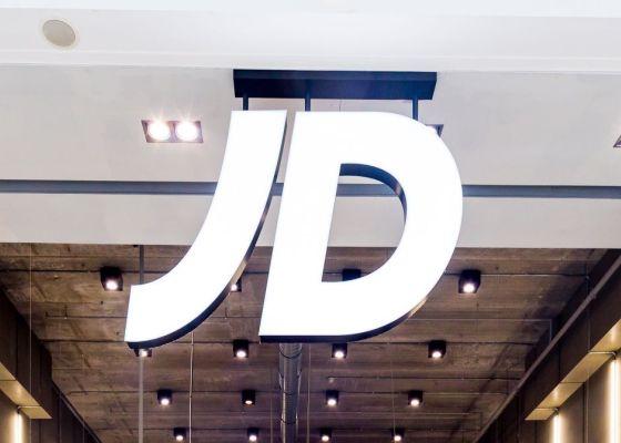 JD Sports sign.