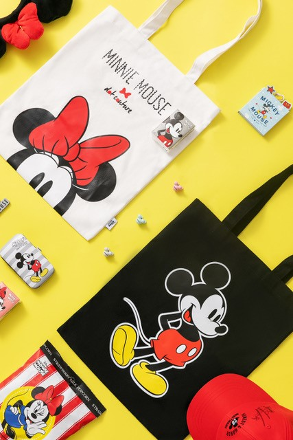 mickey mouse bags and mickey house hat