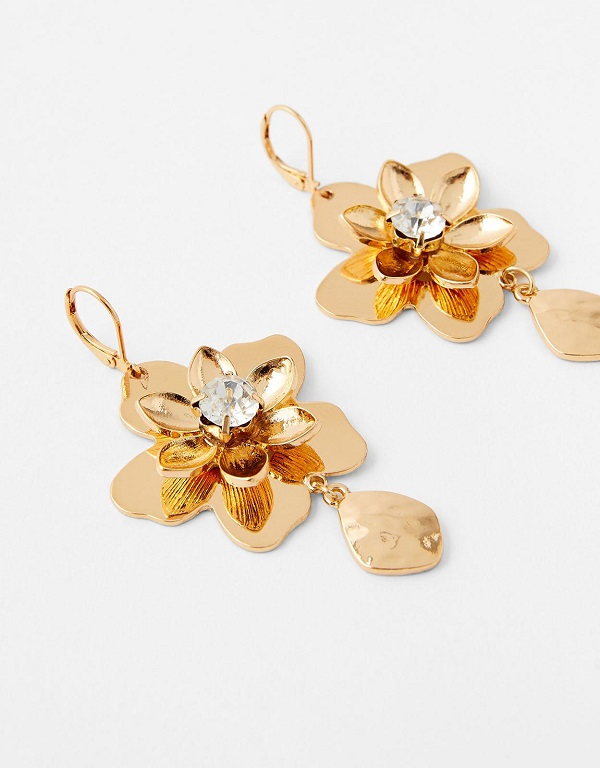 Close up of flower shaped earrings from accessorize.