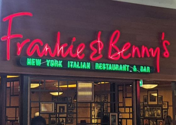 Frankie & Benny's Front