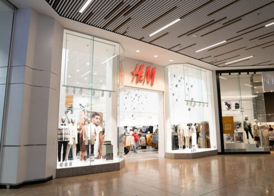 H&M Store Front