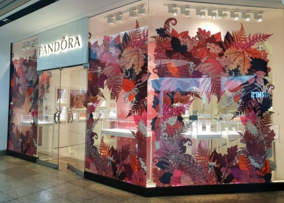 Pandora shop front