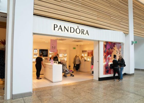 Pandora Shop Front in Meadowhall.