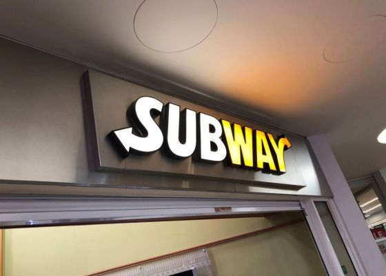 Subway store sign