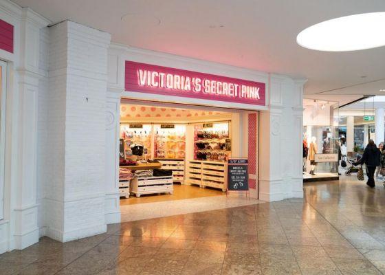 Victoria's Secret store front
