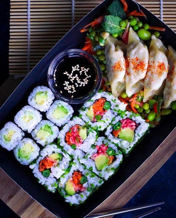 Sushi from itsu.