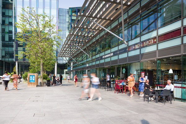 shop fronts at regents place