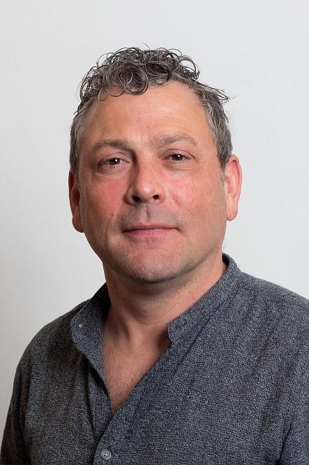 Photo of Graham Lawton.
